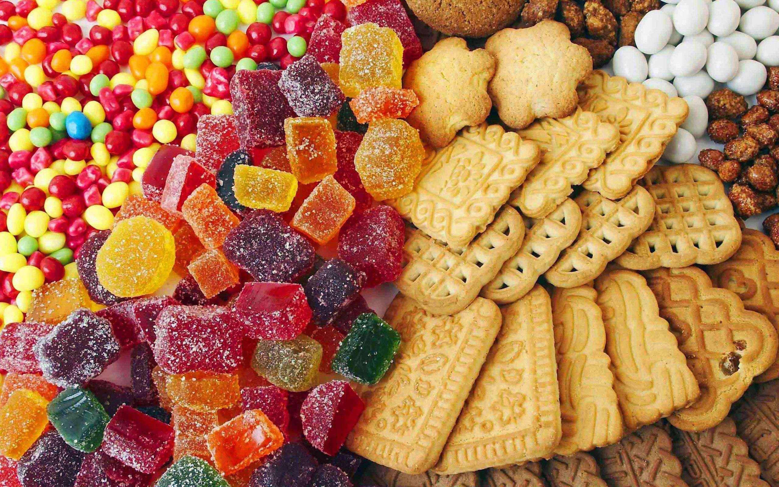 Исследование: употребление сладкого «заставляет» есть чаще