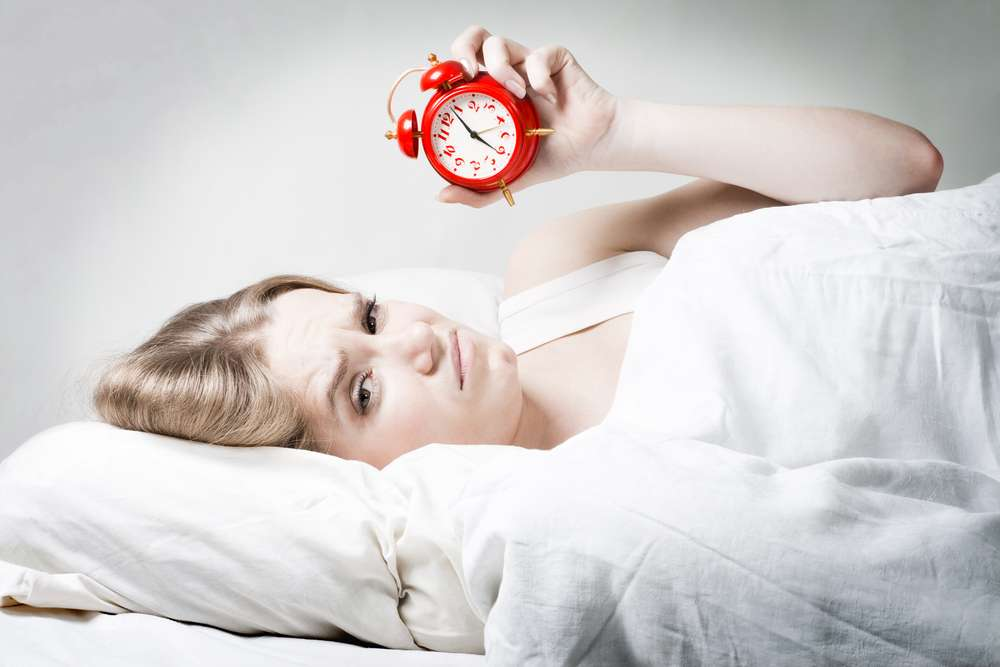 Ученые частое недосыпание можно сравнить с алкоголизмом