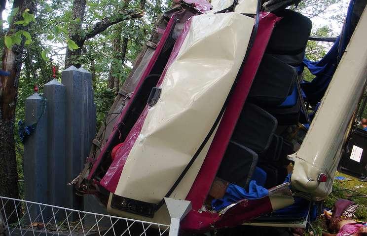 ВКрыму в итоге падения автобуса вобрыв погибли 5 человек