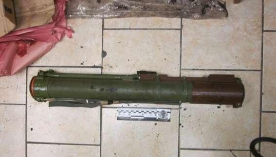 Вметрополитене милиция задержала 31-летнего мужчину, который перевозил гранатомет
