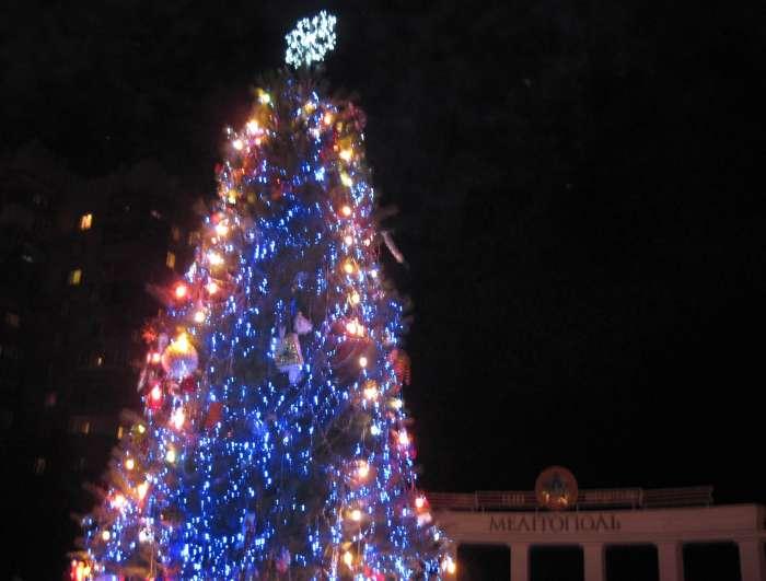 Горожан зовут отметить Новый год на главной площади