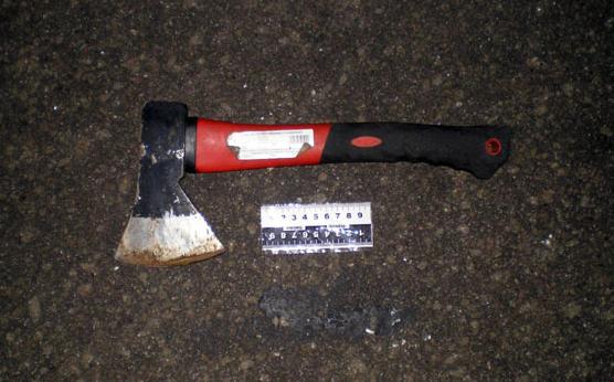 В Краматорске патрульному полицейскому проломили голову топором