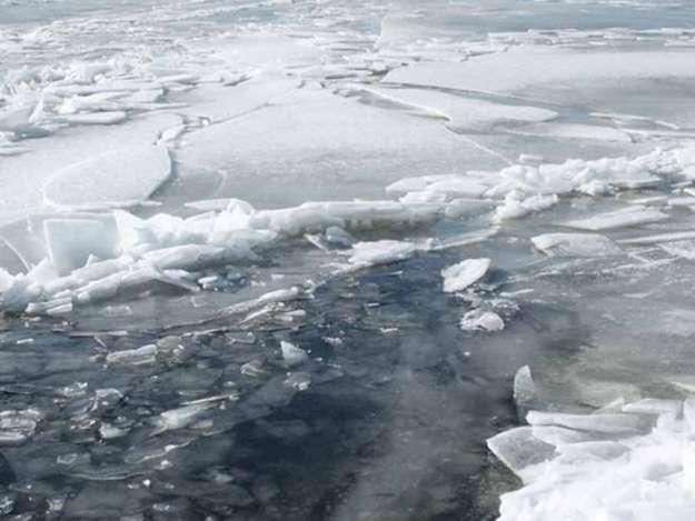 Под Одессой под лед провалились двое детей идвое взрослых