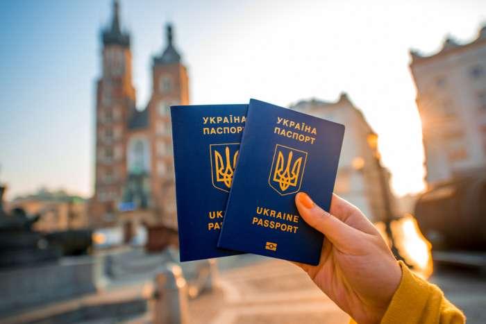 Совет ЕС поддержал предоставление безвизового режима для украинцев